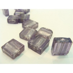 vinutá perle kostička zabarvené sklo  jemně fialová č.10