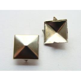 korálek, pyramidka, cvoček, 12 mm